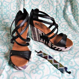 Black wedge heels with bracelet